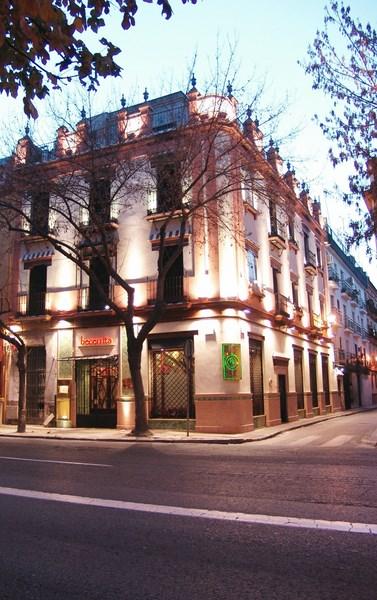 Estudio Honorio Aguilar - Rehabilitación Edificio Becerrita, Sevilla