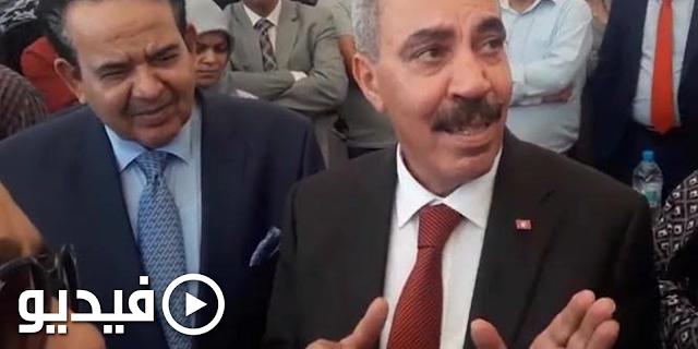 🎥 تشنج وزير التجهيز وطرد مواطن بعد أن قال لسفير قطر: المساكن موش هبة بل تم بيعها بـ50 مليون