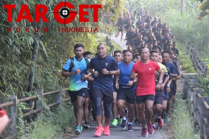 Danrem 073 Makutarama Laksanakan Happy Run Bersama Seluruh Prajurit Alugoro
