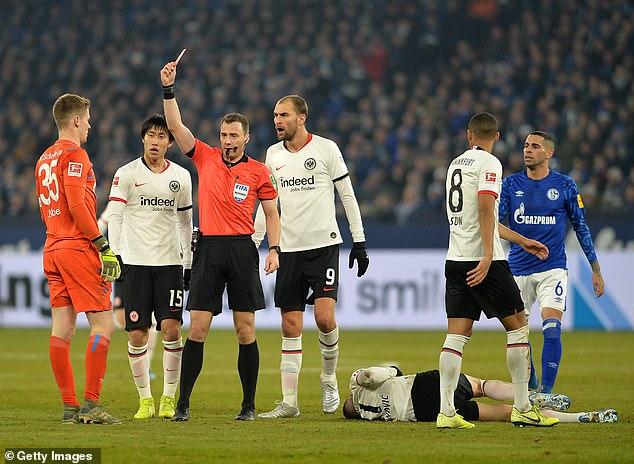 Bundesliga trở lại với những quy định chưa từng có 3