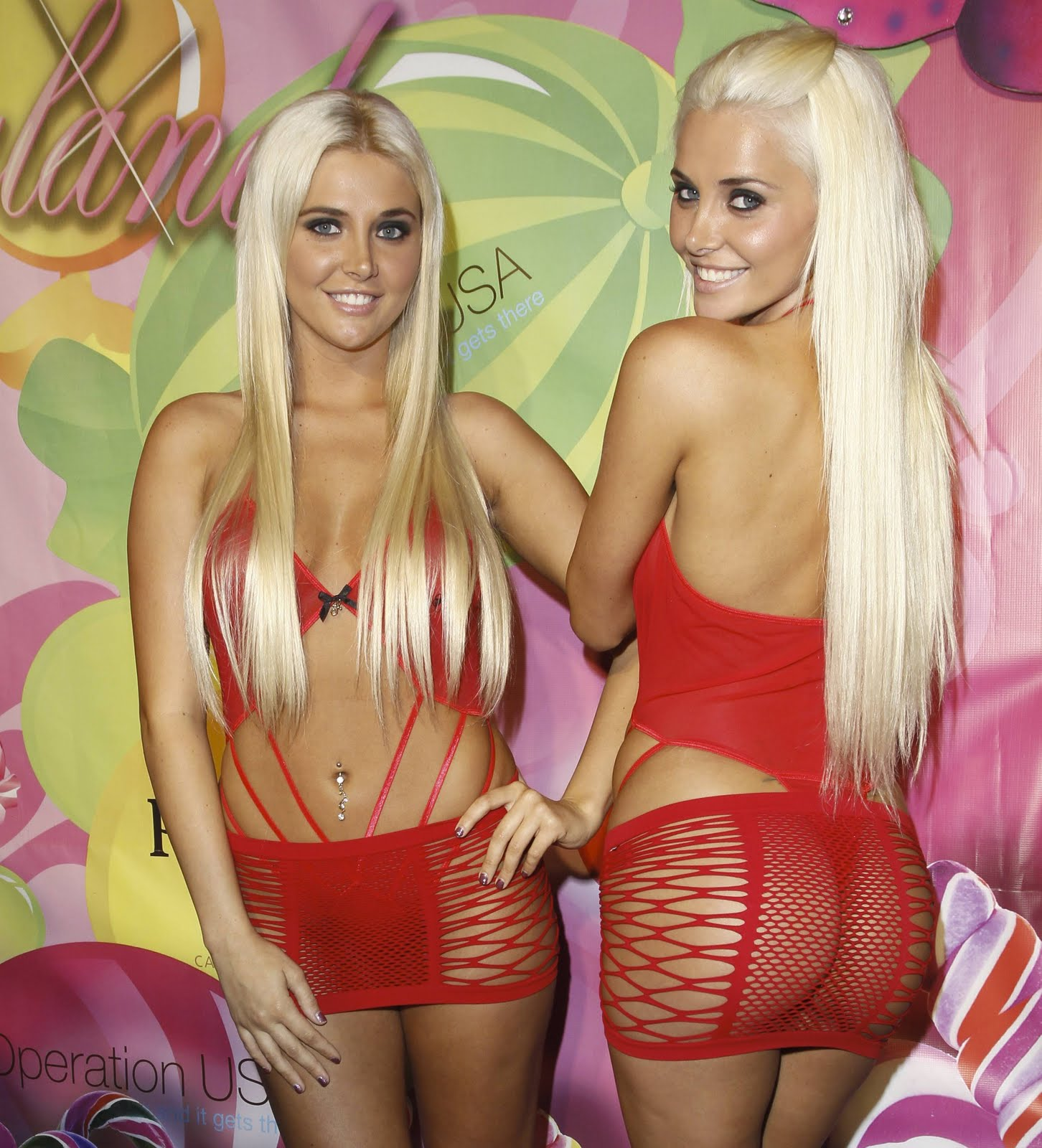 Kristina And Karissa Shannon Skanking Outfits At The -6250