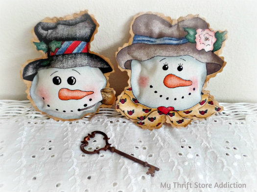 Friday's Find: Last Minute Gifts mythriftstoreaddiction.blogspot.com Handmade snowman couple ornaments available on Etsy:Thrift Store Addiction