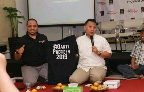 kaos 2019 ganti presiden