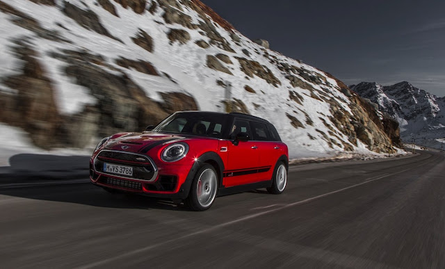 2017 Mini Cooper Clubman JCW red