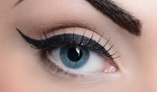 3 Façons spectaculaires pour délimiter vos yeux