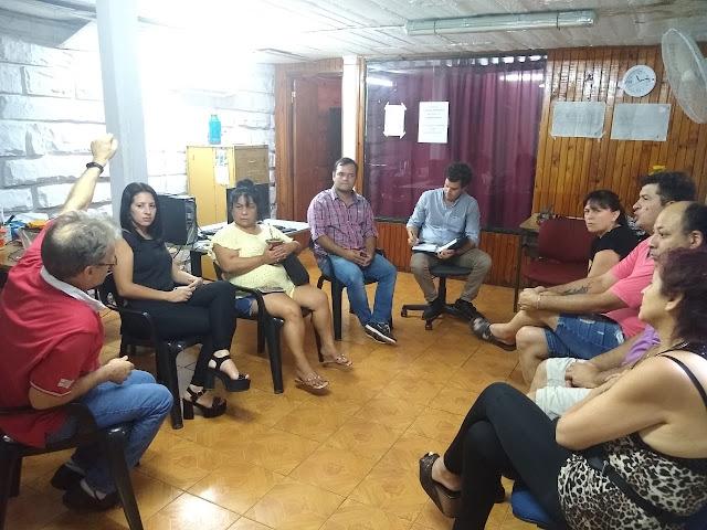 Funcionarios se reunieron con vendedores de La Placita