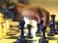 Konsultasi Syariah | Apakah Benar Kalo Permainan Catur Itu Diharamkan Dalam Islam?