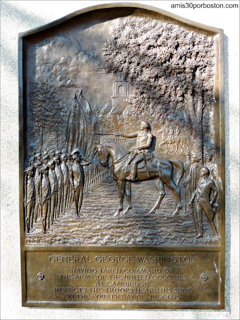 Placa del General George Washington en el Cambridge Common