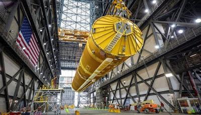 NASA Merakit Megaroket Setinggi Patung Liberty