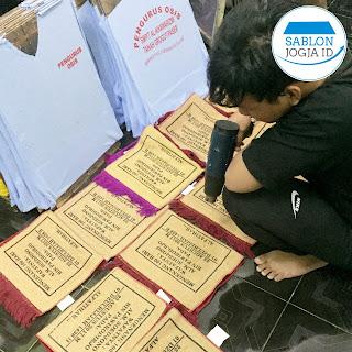 Pabrik Konveksi Bengkulu, Sablon Kaos Seragam Kilat Berkualitas