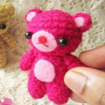 https://translate.google.es/translate?hl=es&sl=en&tl=es&u=http%3A%2F%2Fpaintitcolorful.blogspot.com.es%2F2016%2F06%2Famigurumi-teddy-bear-pattern.html