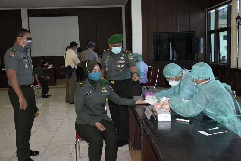 Seluruh Siswa di Pusdik Jajaran Kodiklatad Laksanakan Rapid Test Covid-19