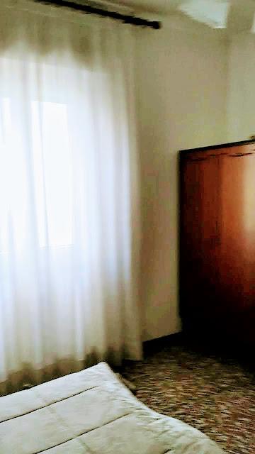 Piazza IV Novembre Azzano San Paolo: camera da letto padronale