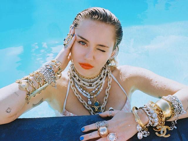 Biodata dan Profil Miley Cyrus