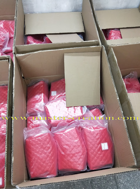 packing of cosmetic bags