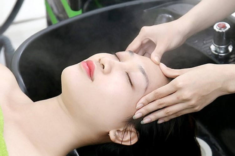 Gội đầu dưỡng sinh, kỹ thuật massage đầu và kiểu tóc phù hợp