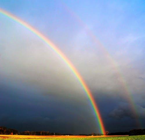 منافع واضرار قوس قزح Rainbow