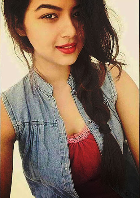 new indian ladki image for mobile