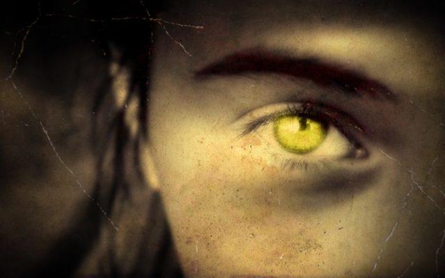 """Η Μυστηριώδης """"Γυναίκα με τα Κίτρινα Μάτια"""""""