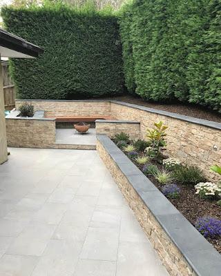 muros en jardines enchapados piedra