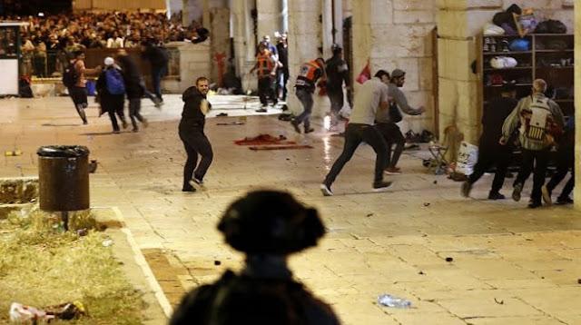 Detik-detik Muslim Palestina Bentrok Lawan Israel di Malam Lailatul Qadar
