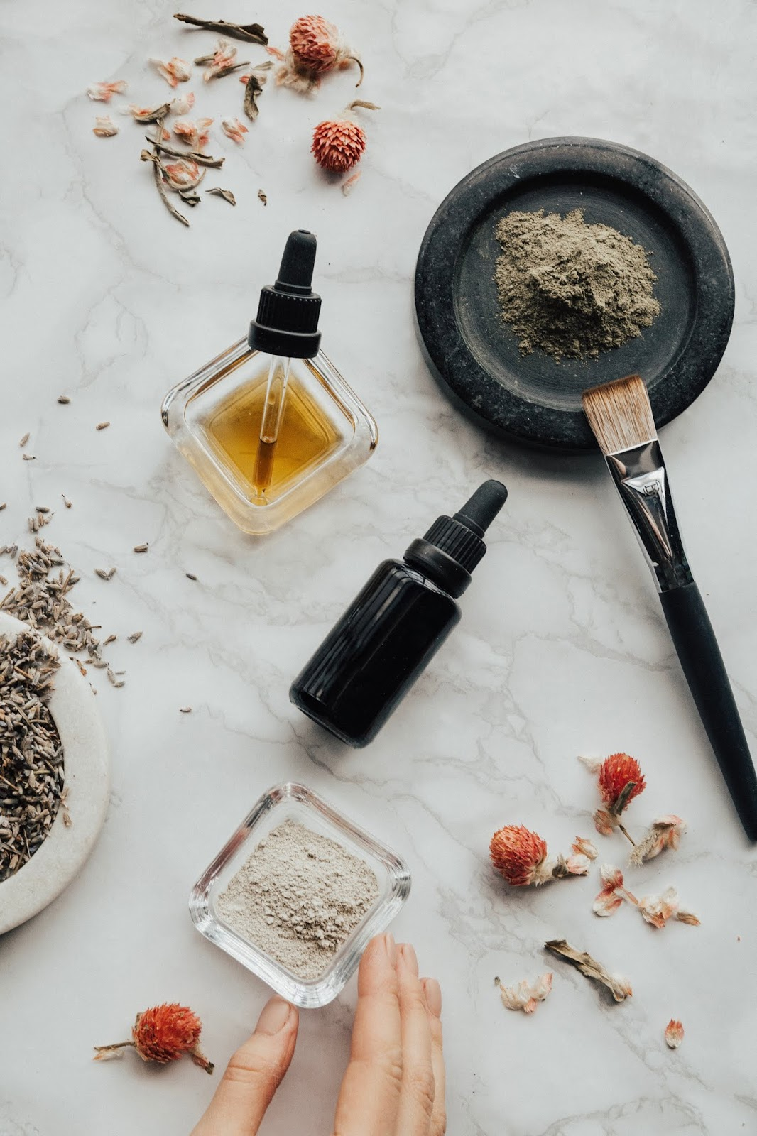 How CBD Oil is Beneficial in Health and Skin Care?