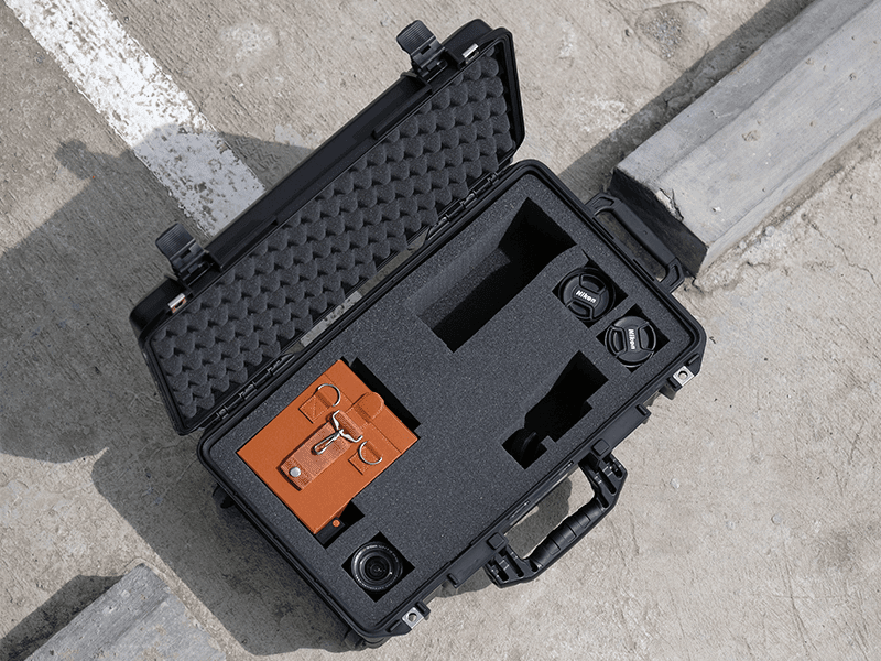 Pelican AIR comes with a customizable pull-and-pluck foam