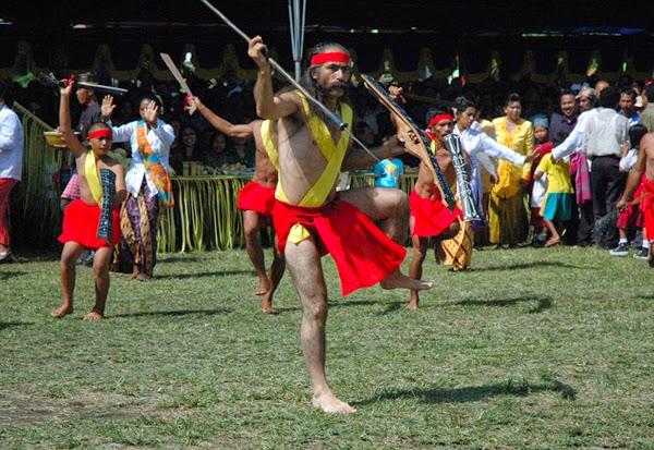 Tari Cakalele Tarian Perang Daerah Maluku