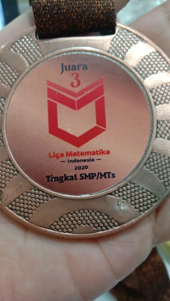 Medali Perunggu berhasil diraih oleh Jihan Fahrisa di ajang Liga Matematika Indonesia