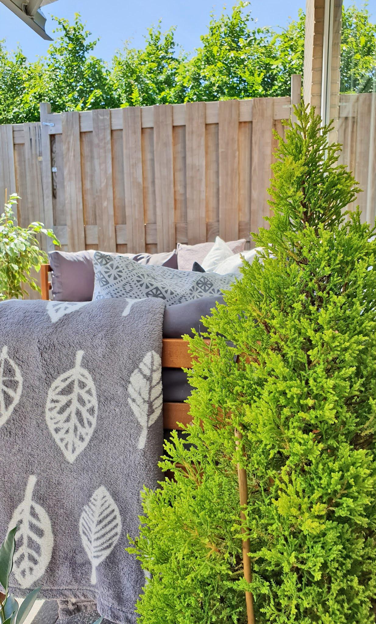 aranżacja tarasu w ogrodzie