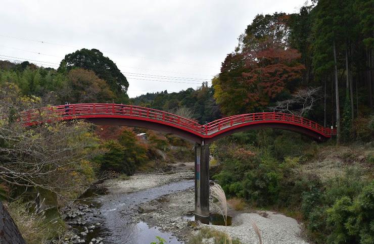 側面から見た観音橋