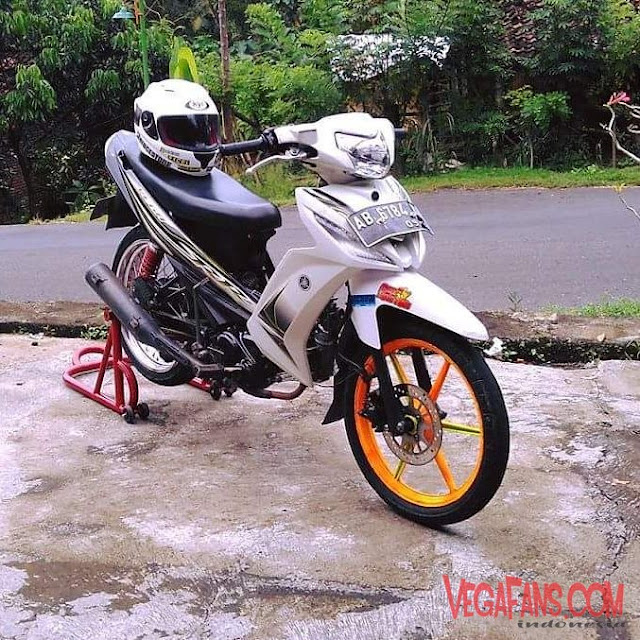 Vega ZR Modif Road Race Putih Hitam Velg Racing
