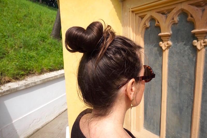 Sommerfrisur Dutt Tipps Fur Sommerlekture Philosophie Fashion U40