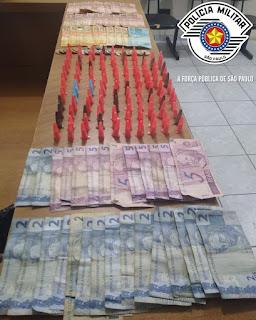 POLÍCIA MILITAR APREENDE ADOLESCENTE COM DROGAS NA VILA SÃO FRANCISCO EM REGISTRO-SP