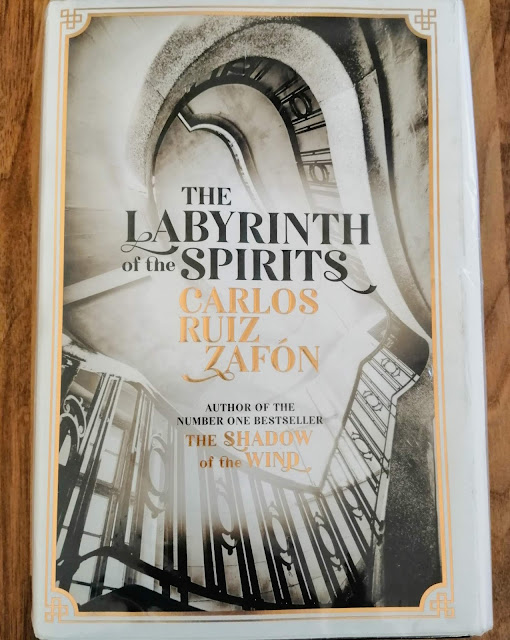 The Labyrinth of the Spirits by Carlos Ruiz Zafon front cover