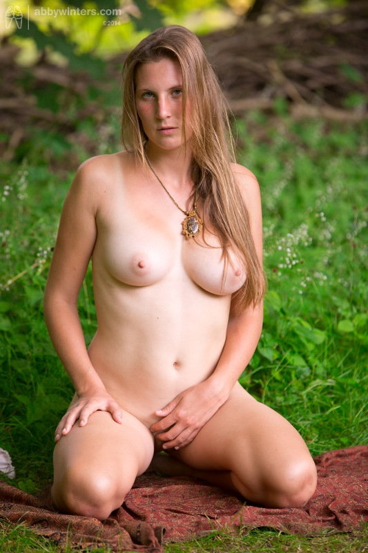 http://tgp21.com/outdoor/Lucie_L/indexb.html