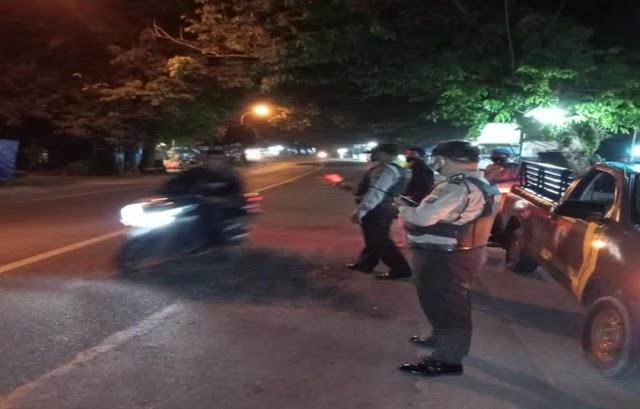 Patroli Rutin Polsek Padang Hulu Tetap Ikuti Aturan Prokes