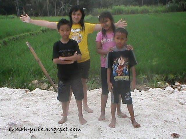 anak-anak pose dulu