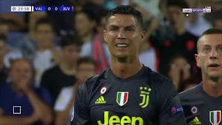 لماذا تم طرد رونالدو بعد 29 دقيقة في مباراة يوفينتوس ضد فالنسيا في دوري ابطال اوروبا 2018
