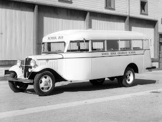 FORD tipo BB carrozado como autobús escolar.