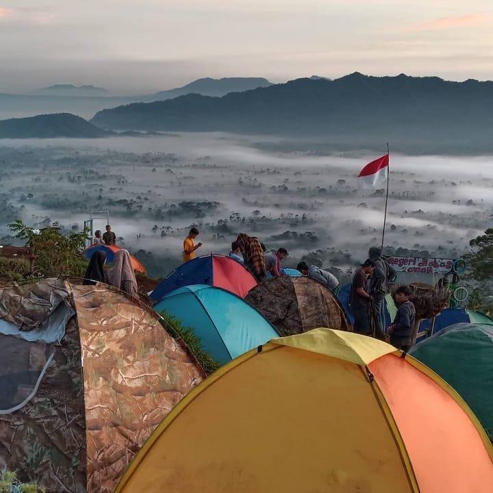 temiangan hill, wisata bak negeri di atas awan
