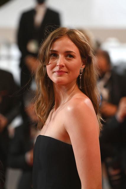 Norwegian Actress Renate Reinsve Sexy Pictures Actress Trend