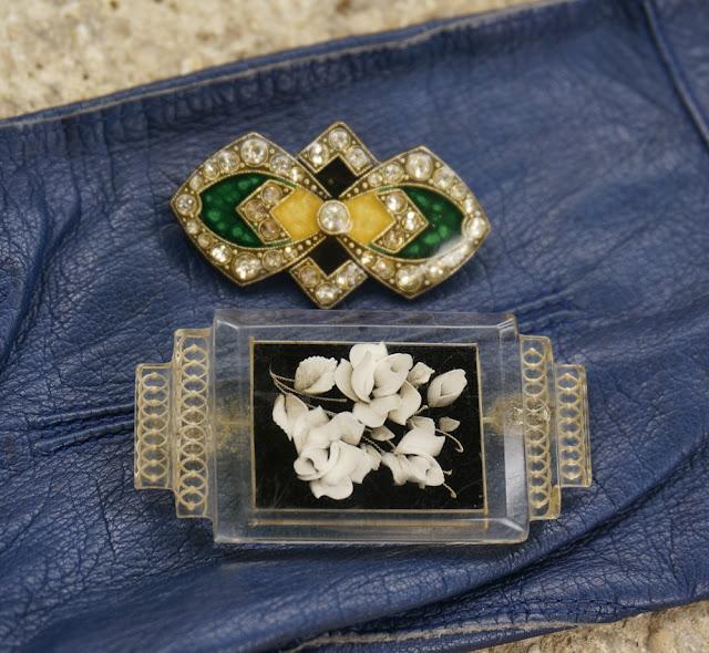 vintage brooch art deco année 30 40 1930s 1940s lucite brooch flower broche