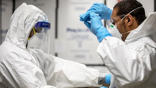 متى يكون من الآمن التواجد مع شخص متعافى من كوفيد 19؟ اعراض الاصابة بفيروس كورونا كم يتطلب الشفاء التام من فيروس كورونا هل الشخص الذي شُفي من فيروس كورونا يمكنه نقل العدوى؟