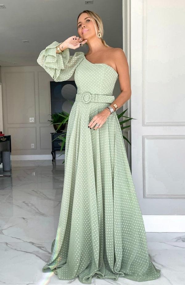 vestido longo verde menta em tule de poas