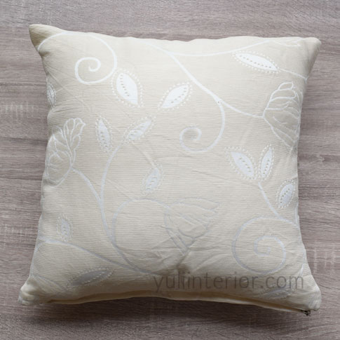 Cream Pattern 18 Inch Throw Pillow,pillow cover in Port Harcourt, Nigeria