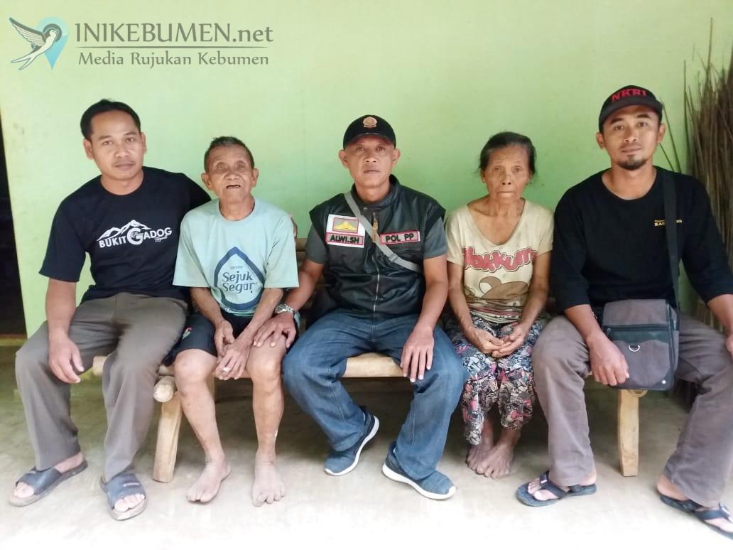 Viral! Lansia Asal Rowokele Terlantar di Bandung, Begini Faktanya
