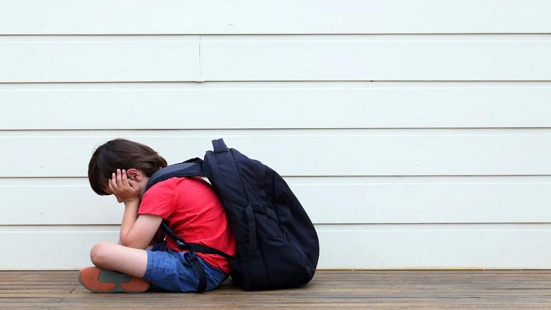 Cara Mengatasi Phobia Sosial Anak dan Gejala Awalnya