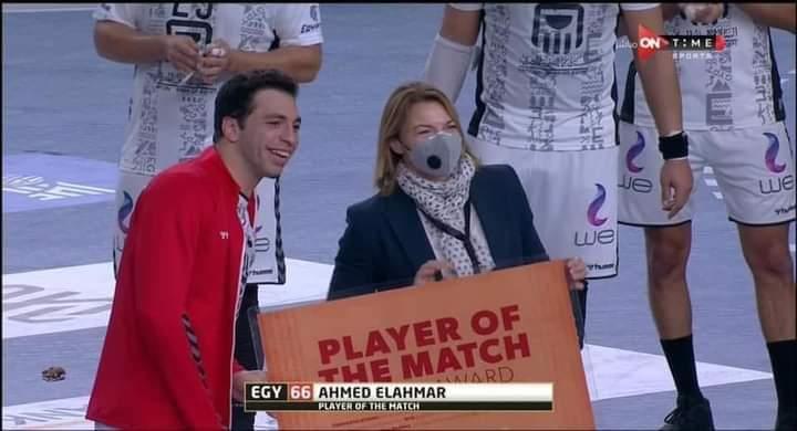 أحمد الأحمر يحصد لقب رجل مباراة مصر والاتحاد الروسي بمونديال اليد