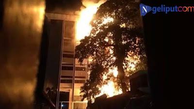 Gedung Kejaksaan Agung Kebakaran, Hampir 6 Jam Api Kembali Membesar